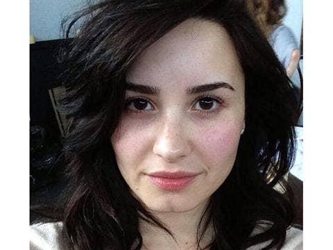 "<a href=""http://distilleryimage5.ak.instagram.com/aba0b30e9cb711e2ac3122000a1fb77a_7.jpg""/>Demi Lovato Instagram</strong>"