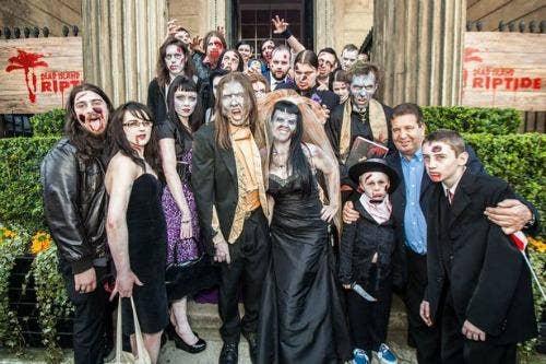 """<a href=""""http://www.mirror.co.uk/news/weird-news/zombie-wedding-horror-couple-dress-1850689"""">mirror.co.uk</a>"""