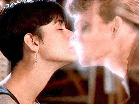 "<a href=""http://www.twirlit.com/2013/07/05/mwah-11-iconic-movie-kisses/"">twirlit.com</a>"