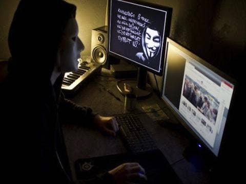 """<a href=""""http://cdn0.tnwcdn.com/wp-content/blogs.dir/1/files/2012/10/137431552-520x345.jpg"""" target=""""_blank"""">tnwcdn.com</a>"""