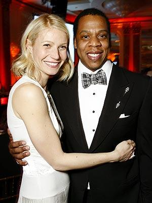 """<a href=""""http://necolebitchie.com/2012/06/06/the-dream-and-russell-simmons-defend-gwyneth-paltrow-after-she-tweets-the-n-word/"""">necolebitchie.com</a>"""