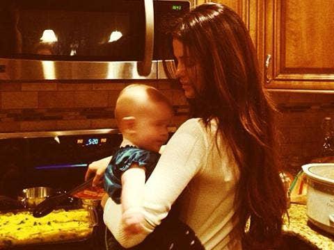 """<a href=""""http://instagram.com/p/iUjaDUujGR/""""/>Selena Gomez Instagram</a>"""