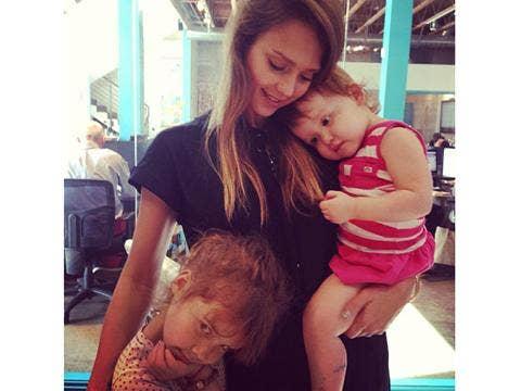 """<a href=""""http://distilleryimage10.ak.instagram.com/accab870b9da11e2914322000a1f984e_7.jpg""""/>Jessica Alba Instagram</a>"""