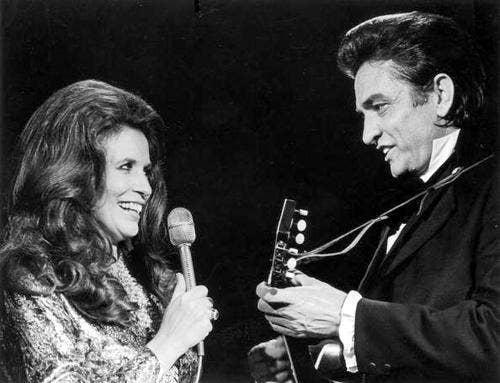 """<a href=""""http://www.last.fm/music/Johnny+Cash+&+June+Carter/+images/25526955"""">last.fm</a>"""