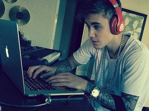 Justin Bieber chains - Instagram