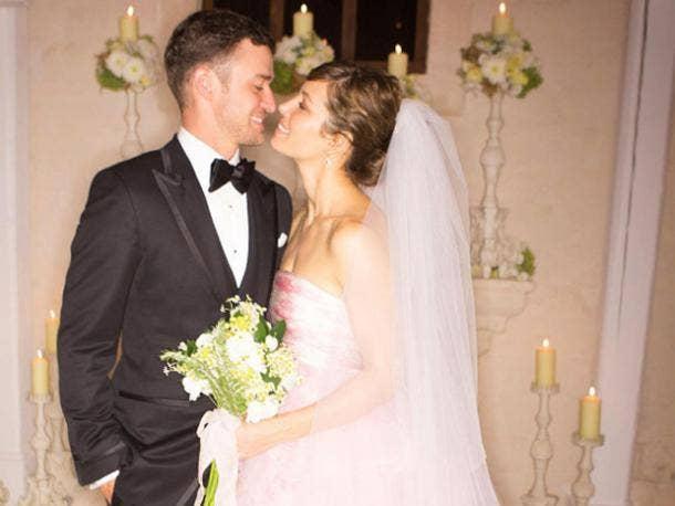 "<a href=""http://i.huffpost.com/gen/837424/thumbs/o-JUSTIN-TIMBERLAKE-JESSICA-BIEL-WEDDING-570.jpg?5""/>Justin Timberlake & Jessica Biel</a>"
