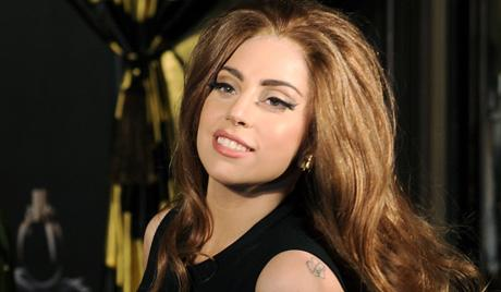 """<a href=""""http://mix967.ca/entertainment/2013/08/cartilage-was-just-hanging-out-lady-gaga-gives-details-of-hip-injury/"""">mix967.ca</a>"""