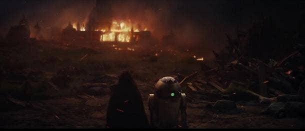 8. Did we get a glimpse of Kylo Ren's betrayal of Luke Skywalker?