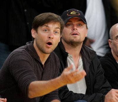 "<a href=""http://www.zimbio.com/photos/Leonardo+DiCaprio/Tobey+Maguire/Celebrities+At+The+Lakers+Game/VMlHYSPOKGw"">zimbio.com</a>"