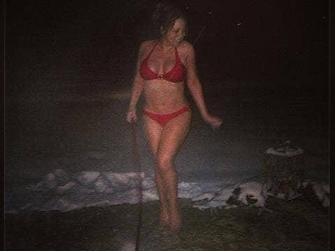"""<a href=""""http://scontent-b.cdninstagram.com/hphotos-xfp1/t51.2885-15/1515094_629038417143087_129458171_n.jpg""""/>Mariah Carey Instagram</a>"""