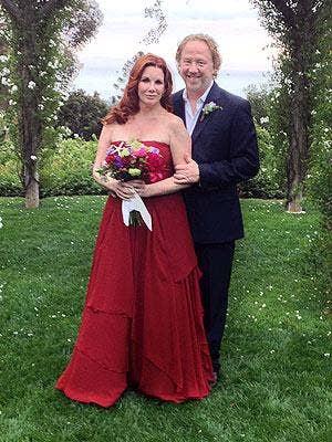 "<a href=""http://stylenews.peoplestylewatch.com/2013/04/26/melissa-gilbert-wedding-dress-timothy-busfield/"">stylenews.peoplestylewatch.com </a>"