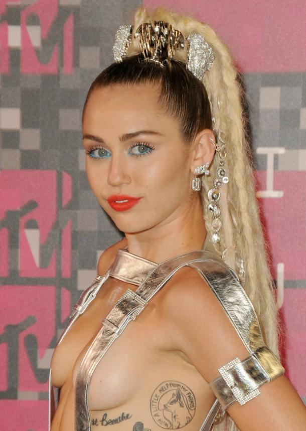 miley cyrus beauty 20