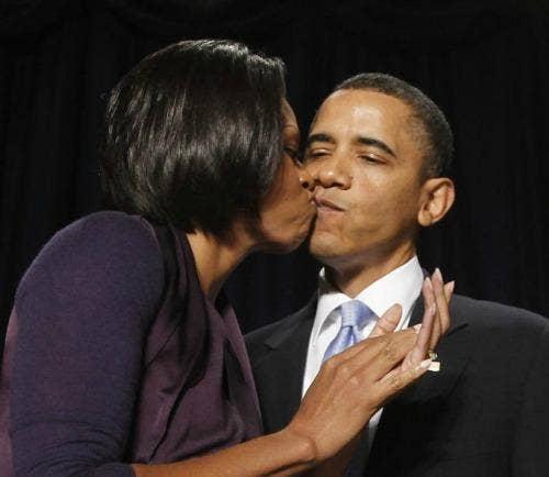 """<a href=""""http://www.ibtimes.com/mariah-carey-president-obama-15-awkward-celebrity-kisses-photos-553291"""">ibtimes.com</a>"""