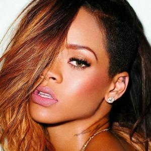 "<a href=""http://www.boomsbeat.com/articles/153/20140127/50-interesting-facts-about-rihanna.htm"" target=""_blank"">boomsbeat.com</a>"