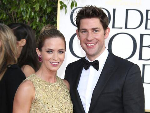 """<a href=""""http://www.contactmusic.com/pics/lf/golden_globes_red_carpet_arrivals_2_140113/emily-blunt-and-husband-john-krasinski-70th_20059453.jpg""""/>Emily Blunt & John Krasinski</a>"""