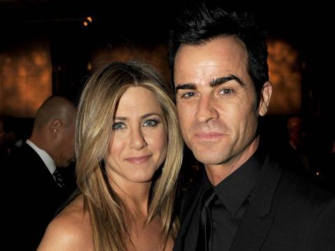 "<a href=""http://www.sfexaminer.com/imager/jennifer-aniston-and-justin-theroux/b/original/2307792/b21a/Jennifer_Aniston_Justin_Theroux_02_28_12.jpg""/>Jennifer Aniston & Justin Theroux</a>"