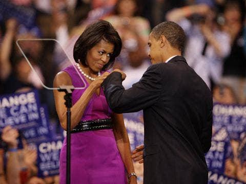 "<a href=""http://0.tqn.com/d/chicago/1/0/N/8/-/-/81390668_10.jpg""/>Barack & Michelle Obama</a>"