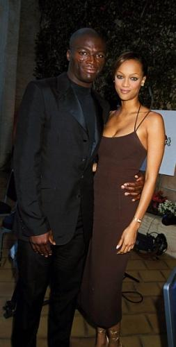 """<a href=""""http://www.nydailynews.com/entertainment/gossip/odd-celeb-couples-dated-gallery-1.31326"""">12. Tyra Banks and Seal</a>"""