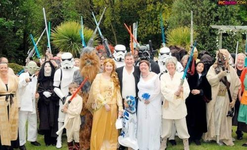 "<a href=""http://www.galacticbinder.com/ptop-10-star-wars-wedding-components.html""> galacticbinder </a>"