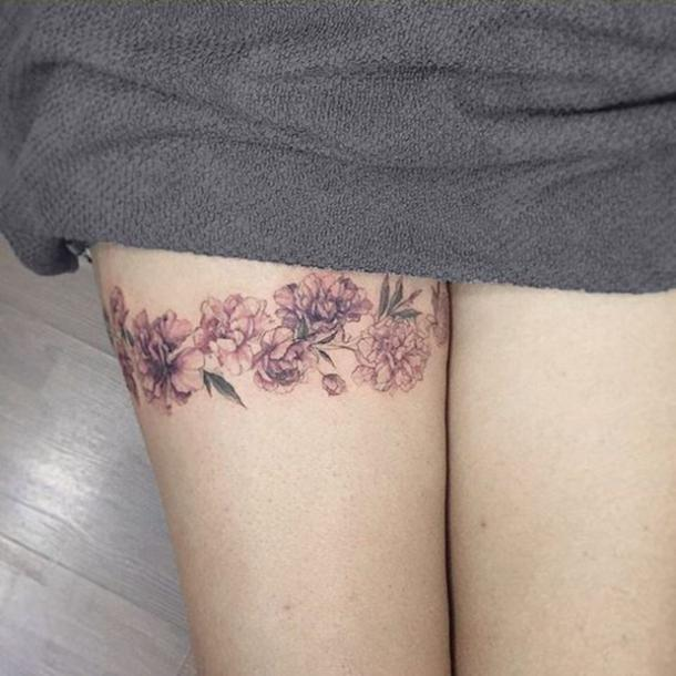 e03303f4e 17 Sexy Thigh Tattoos For Women That Will Make You Proud Of Your ...