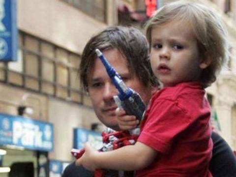 "<a href=""http://media.tumblr.com/tumblr_lp0uo45ie81qzanse.jpg""/>Tom Delonge & Son Jonas Rocket</a>"