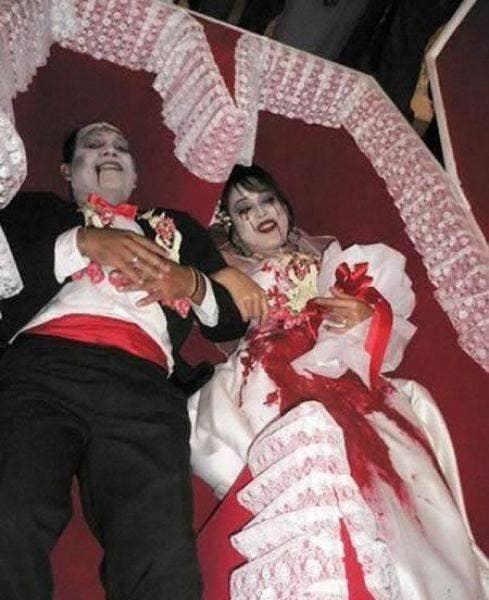 "<a href=""http://dailynewsdig.com/15-pictures-of-crazy-themed-weddings/""> dailynewsdig.com </a>"