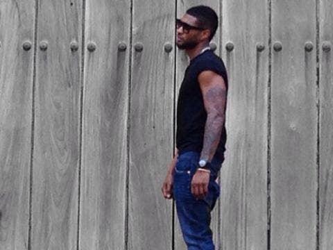 """<a href=""""http://distilleryimage5.ak.instagram.com/e0a75f6caa9e11e394da12766a112465_8.jpg""""/>Usher - Instagram</a>"""