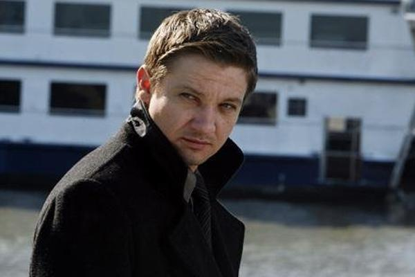 Jeremy Renner, Jeremy Renner dating, Jeremy Renner girlfriend, Jeremy Renner married, Jeremy Renner divorce, Jeremy Renner kid, Jeremy Renner love, Jeremy Renner gay, Jeremy Renner movie, Jeremy Renner TV show, commitment, fear of commitment, scared of co