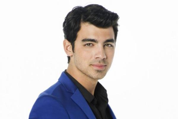 joe jonas dating models