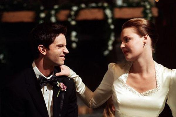 Katherine Heigl and Jason Behr Roswell