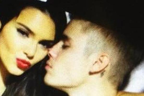kendall jenner, kendall jenner red lipstick, kendall jenner dating, justin bieber, justin bieber kendall jenner, justin bieber kendall jenner dating, kendall jenner justin bieber dating, justin bieber dating, justin bieber instagram, kendall jenner instag
