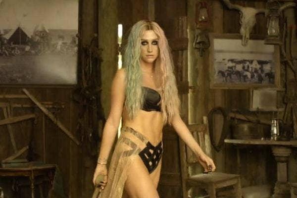 Kesha in Timber
