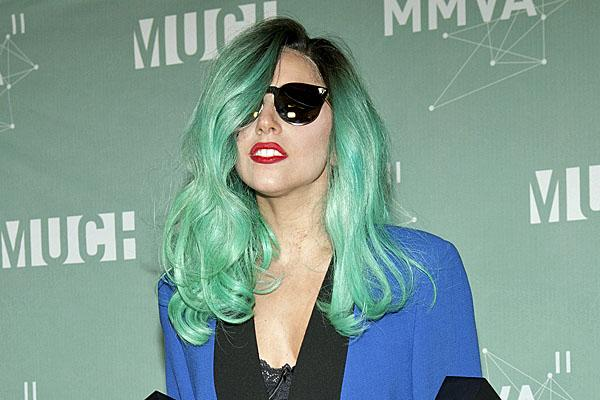 lady gaga blue hair much music video awards