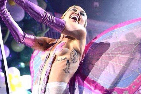Miley performing