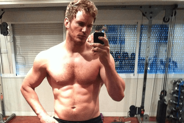Chris Pratt shirtless abs workout for Guardians of the Galaxy