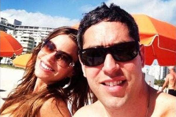 Nick Loeb and Sofia Vergara at the beach