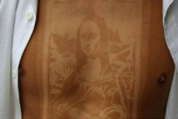A Mona Lisa Sunburn