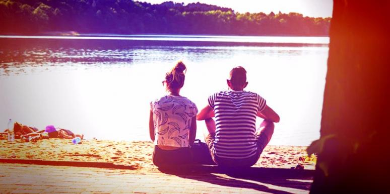 Zodiac Signs That Should Date