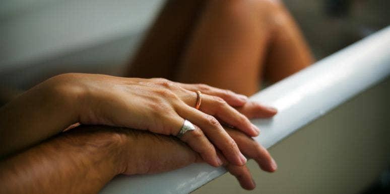 5 Couple-Friendly Bubble Baths For Your Evening Soak