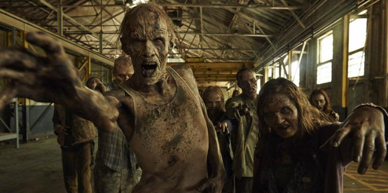 """Zombies and walkers in """"Fear The Walking Dead"""" AMC"""