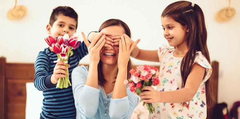 Best Mother's Day Gift Guide A-Z: 52 Gift Ideas For Mom 2020