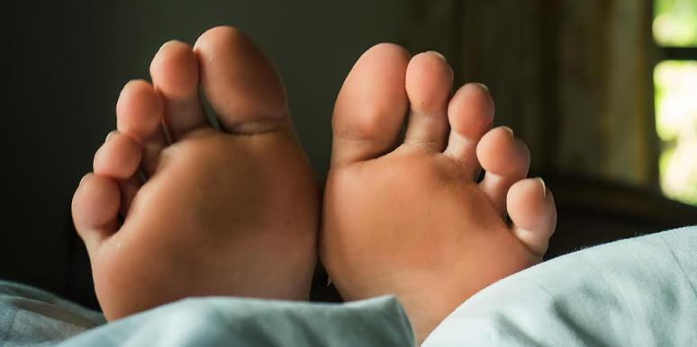 What Are COVID Toes? This Weird Change In Your Toes Could Mean You Have Coronavirus
