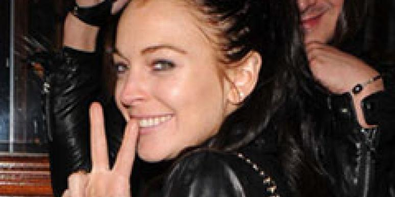 Lindsay Lohan is a part-time lesbian