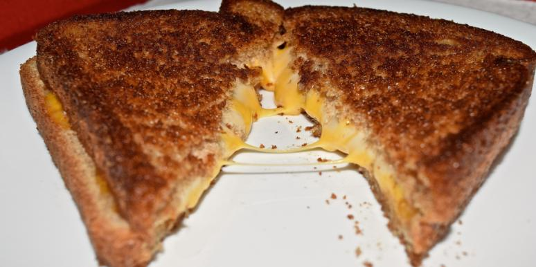 People Who Like Grilled Cheese Have Best Sex Lives