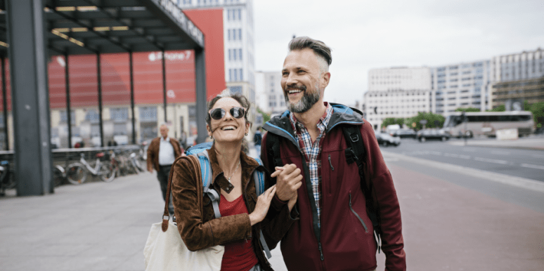Science Says Your Man Is Walking Slower 'Cause He's In LOVE