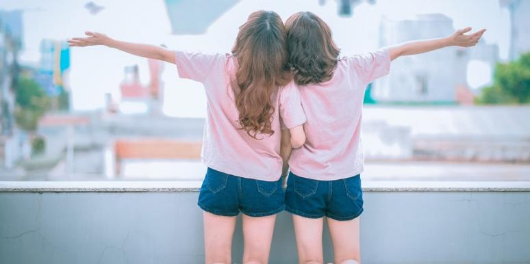 8 Biggest Lies About Gemini's Two-Faced Personality