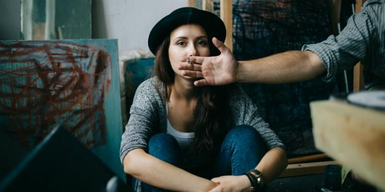 3 Signs Of Emotional Abuse In Relationships