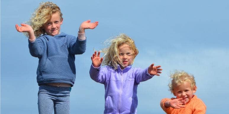 Three children siblings
