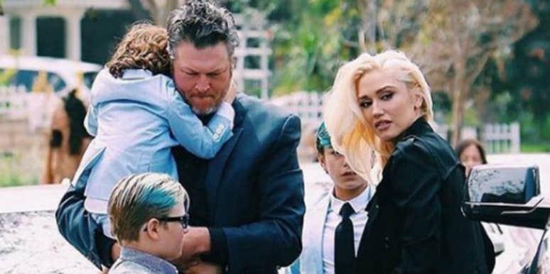 Blake Shelton And Gwen Stefani Wedding Pictures.5 Awkward Details About Blake Shelton And Gwen Stefani S