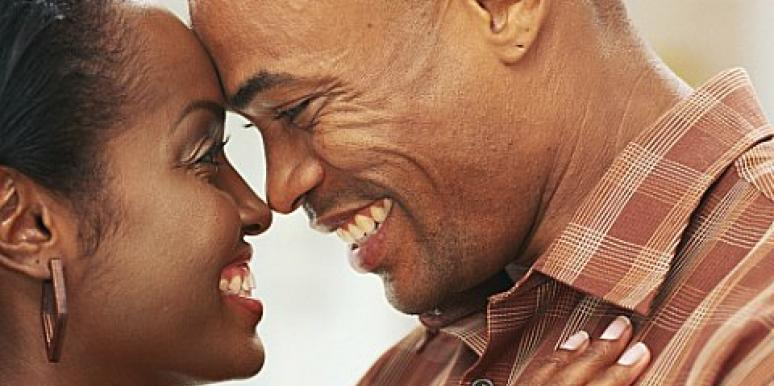 What is the difference between hookup and girlfriend